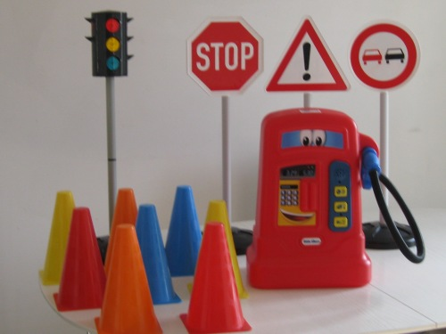 Working Traffic Lights,Funny Face Petrol Pump with nozzle and buttons to press with sounds of motoring, colourful traffic cones and signs.